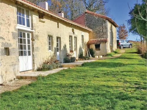 Two-Bedroom Holiday Home in Bonnes : Guest accommodation near Chalais