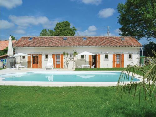 Two-Bedroom Holiday Home in Asnois : Guest accommodation near Le Vieux-Cérier