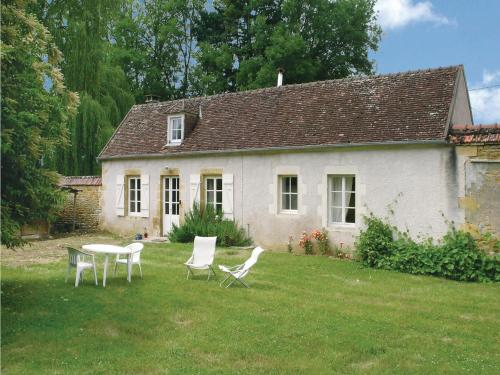 Holiday Home St. Jean Aux Amognes with a Fireplace 08 : Guest accommodation near Saint-Jean-aux-Amognes