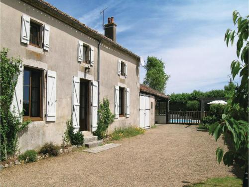 Holiday home La Boissiere-en-Gatine 51 : Guest accommodation near Saint-Marc-la-Lande
