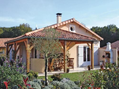 Holiday home Les Forges with Outdoor Swimming Pool 396 : Guest accommodation near Verruyes