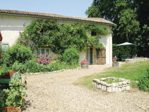 Holiday home La Martinière O-781 : Guest accommodation near Sainte-Eanne