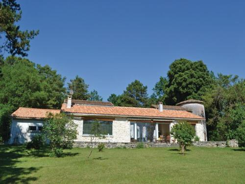 Holiday home Sers 48 : Guest accommodation near Rougnac