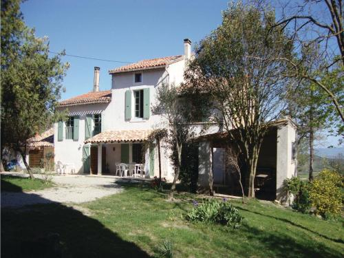 Seven-Bedroom Holiday home Laurac with a Fireplace 03 : Guest accommodation near Gaja-la-Selve