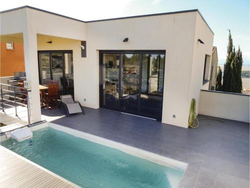Three-Bedroom Holiday Home in Leucate : Guest accommodation near Caves