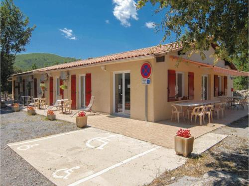 Holiday home Courry *LII * : Guest accommodation near Saint-Brès
