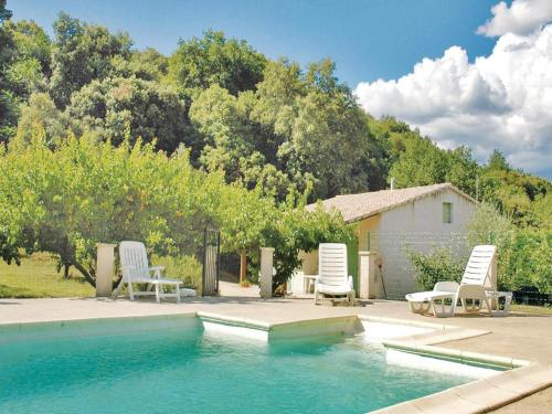 Holiday home St. Julien de Peyrolas OP-1316 : Guest accommodation near Saint-Christol-de-Rodières