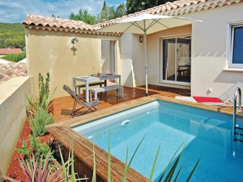 Holiday home Rue Louis Braille : Guest accommodation near Le Pin