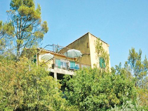 Holiday home St. André de Roqueper. *LIV * : Guest accommodation near Saint-André-de-Roquepertuis