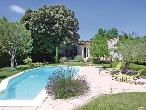 Holiday Home Lirac Chemin Des Carrieres : Guest accommodation near Saint-Paul-les-Fonts