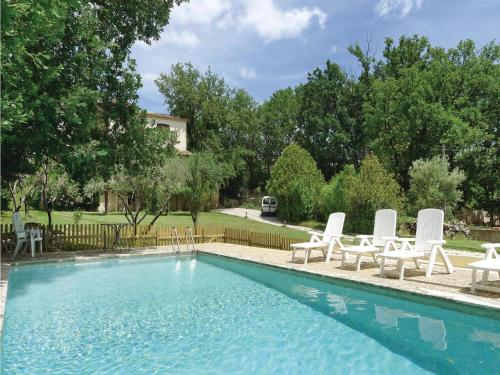Four-Bedroom Holiday home Méjannes-les-Alès with a Fireplace 04 : Guest accommodation near Deaux