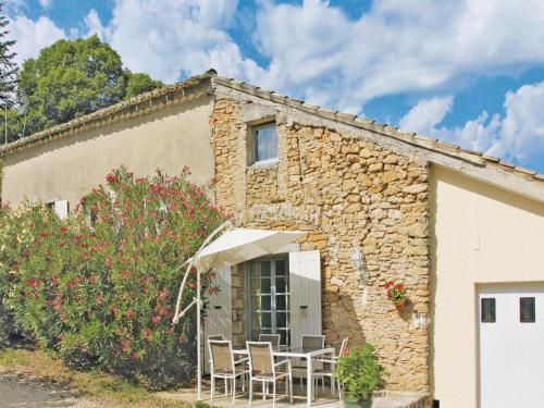 Holiday home Couemes-Vaucé N-776 : Guest accommodation near Saint-André-d'Olérargues
