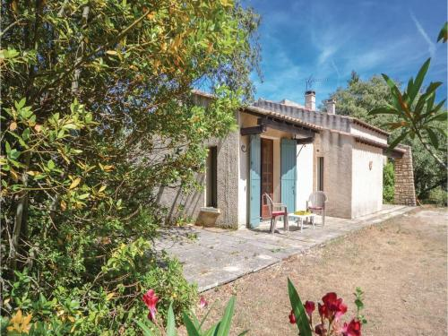 Holiday home St Siffret MN-1291 : Guest accommodation near Saint-Hippolyte-de-Montaigu