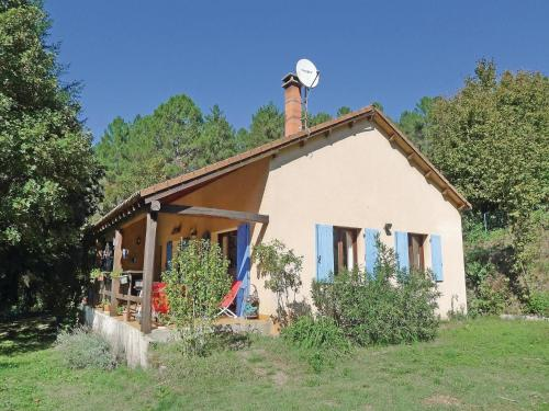 Holiday Home Senechas with a Fireplace 05 : Guest accommodation near La Vernarède