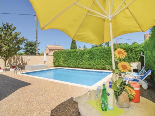 Apartment - Two-Bedroom Holiday Home in Codognan : Apartment near Codognan
