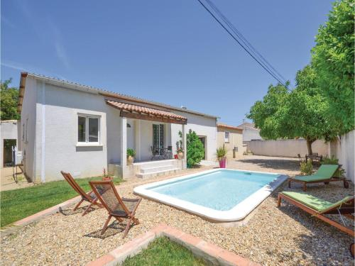 Two-Bedroom Holiday Home in Calvisson : Guest accommodation near Salinelles
