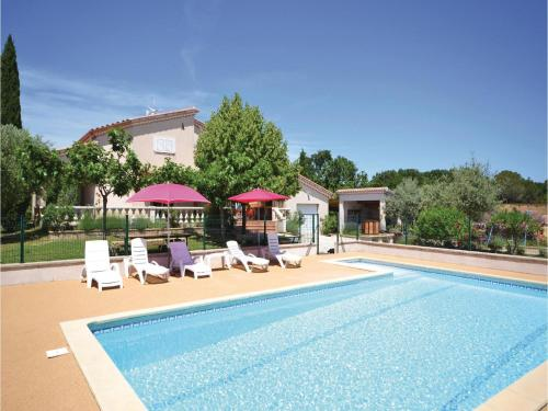 Four-Bedroom Holiday Home in Montignargues : Guest accommodation near Saint-Geniès-de-Malgoirès