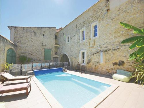 Four-Bedroom Holiday Home in Sauzet : Guest accommodation near Saint-Geniès-de-Malgoirès