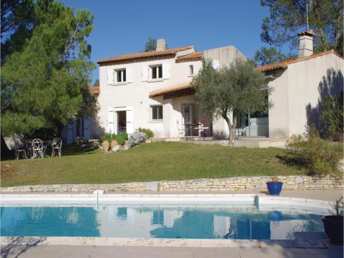 Five-Bedroom Holiday Home in Nimes : Guest accommodation near Langlade