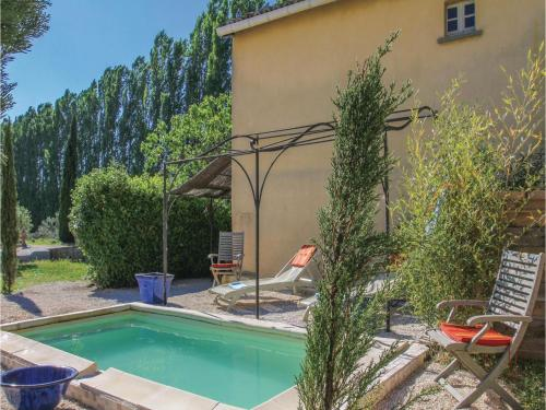Two-Bedroom Holiday Home in Pont Sanit Esprit : Guest accommodation near Saint-Julien-de-Peyrolas