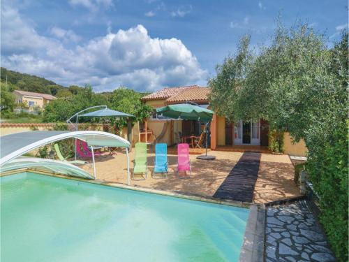 Five-Bedroom Holiday Home in St-Julien-les-Rosiers : Guest accommodation near Soustelle