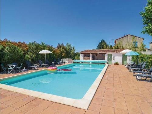 Two-Bedroom Apartment in Canaules-et-Argentier. : Apartment near Maruéjols-lès-Gardon