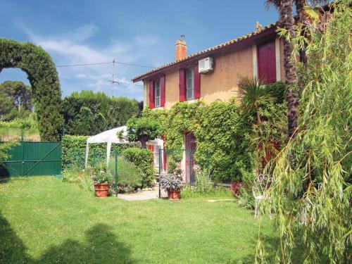 Holiday Home Pailhes Route De St Genies : Guest accommodation near Corneilhan