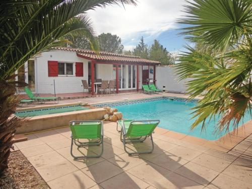 Holiday Home Aspiran 09 : Guest accommodation near Adissan