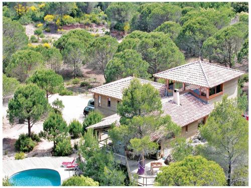 Holiday home Le Pigeonnier : Guest accommodation near Liausson