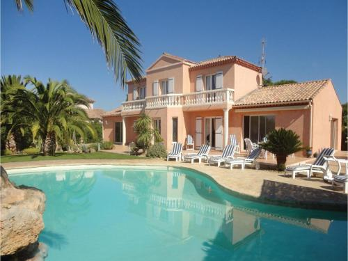 Five-Bedroom Holiday Home in Cers : Guest accommodation near Portiragnes
