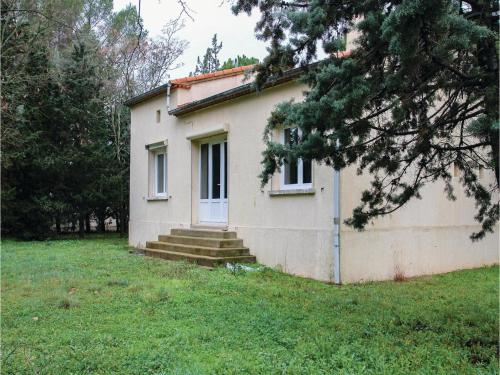 Three-Bedroom Holiday Home in Villetelle : Guest accommodation near Gallargues-le-Montueux