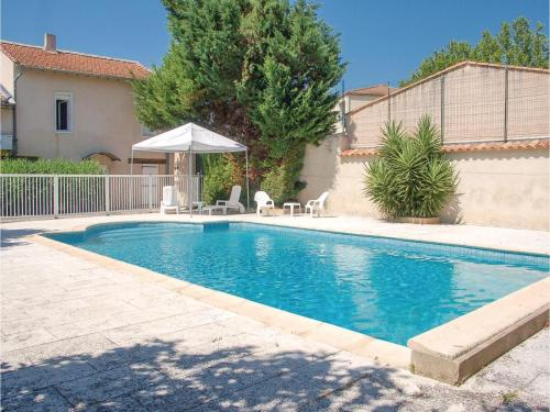 Six-Bedroom Holiday Home in Montagnac : Guest accommodation near Cazouls-d'Hérault
