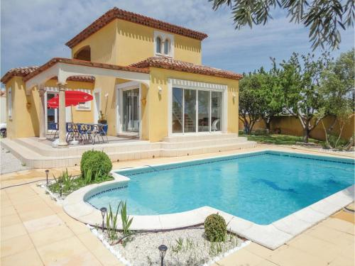 Three-Bedroom Holiday Home in Marseillan : Guest accommodation near Florensac