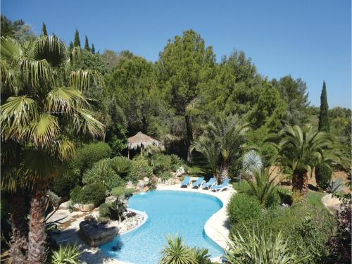 Three-Bedroom Holiday Home in Roujan : Guest accommodation near Montesquieu
