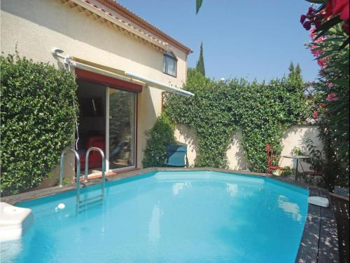 Holiday Home Vileneuve Les Beziers Rue De Parc : Guest accommodation near Cers