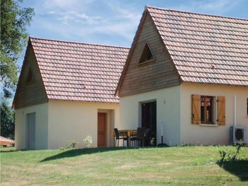 Three-Bedroom Holiday Home in Lacapelle-Marival : Guest accommodation near Rudelle