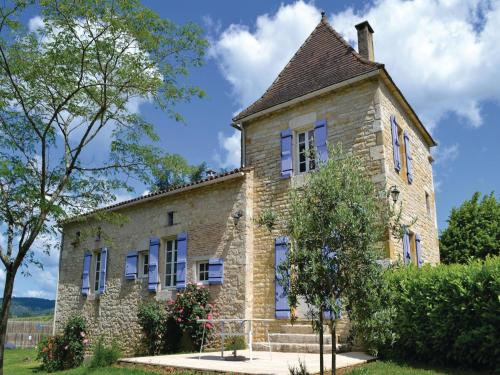 Holiday home Puy L´Eveque 12 with Outdoor Swimmingpool : Guest accommodation near Vire-sur-Lot