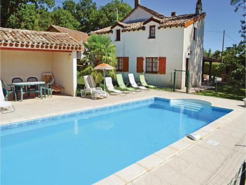 Three-Bedroom Holiday Home in Montlauzun : Guest accommodation near Montcuq