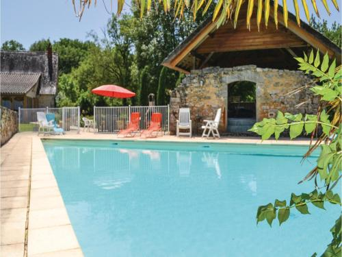 Five-Bedroom Holiday Home in Padirac : Guest accommodation near Lavergne
