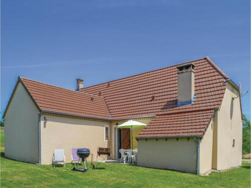 Three-Bedroom Holiday Home in Montfaucon : Guest accommodation near Ginouillac