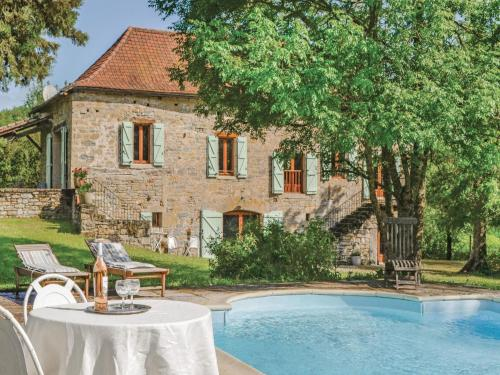 Holiday home Caylus 16 : Guest accommodation near Saint-Georges