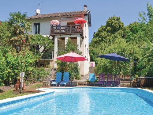 Holiday home Avenue de la Gare M-824 : Guest accommodation near Monteils