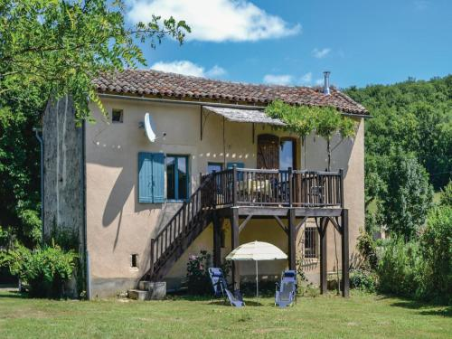 Holiday Home Le Riols Bas with a Fireplace 06 : Guest accommodation near Parisot