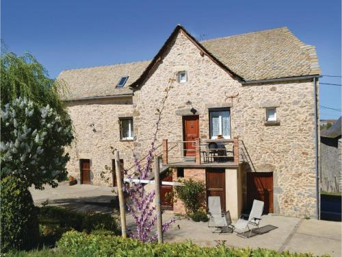 Two-Bedroom Holiday Home in Rieupeyroux : Guest accommodation near Morlhon-le-Haut