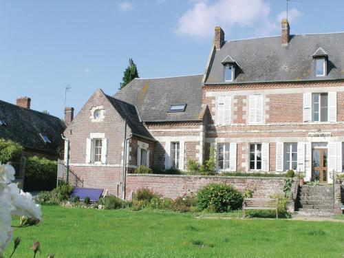 Holiday home Housset *LXI * : Guest accommodation near Morgny-en-Thiérache