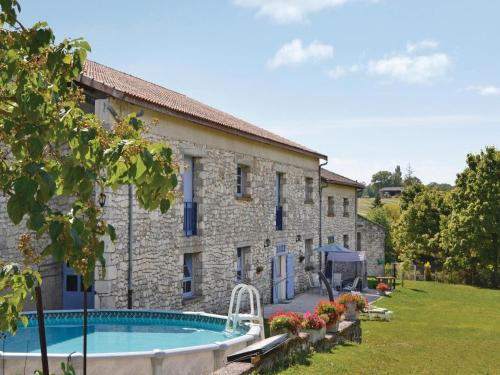 Holiday Home Les Papillons - 06 : Guest accommodation near Tréjouls