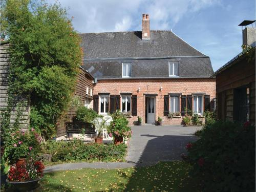 Five-Bedroom Holiday Home in Iviers : Guest accommodation near Écly