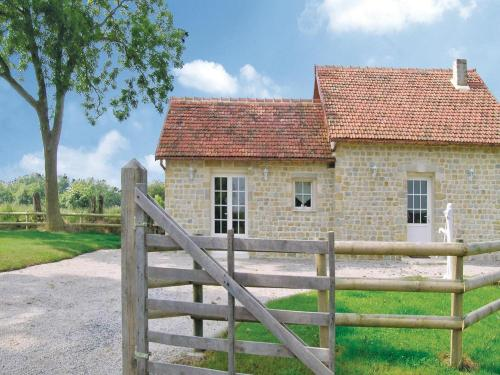 Holiday home Lieu Dit La Vieille Place : Guest accommodation near Les Oubeaux