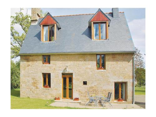 Holiday home Lieu dit La Riviere : Guest accommodation near Brouains