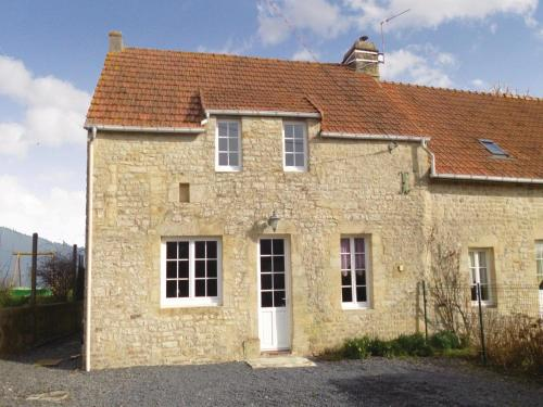 Holiday home Lieu Dit Le Haut Chemin : Guest accommodation near Cricqueville-en-Bessin